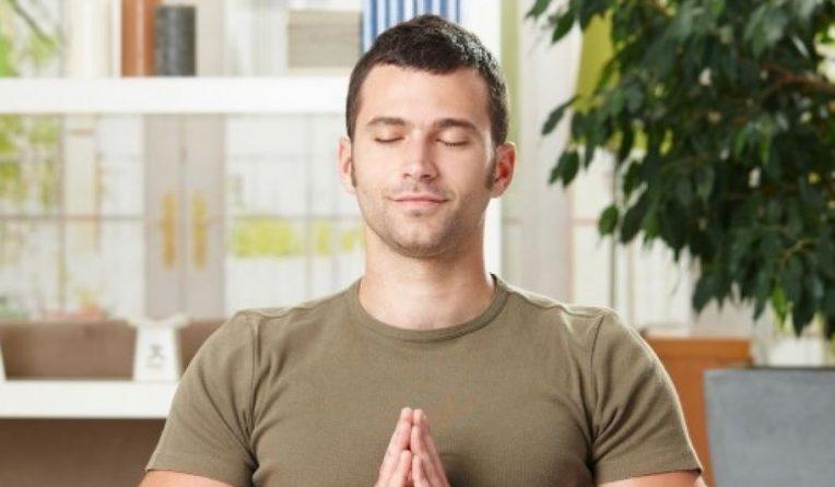 Méditation homme